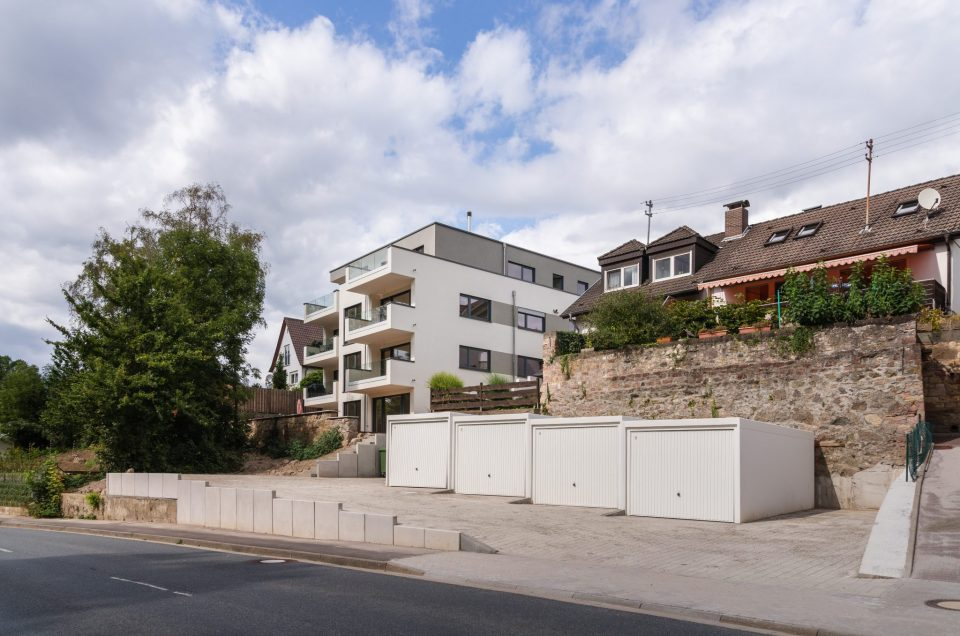 Hirschberg - Fertigstellung Mehrfamilienhaus